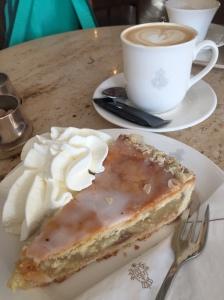 Apple tart with coffee